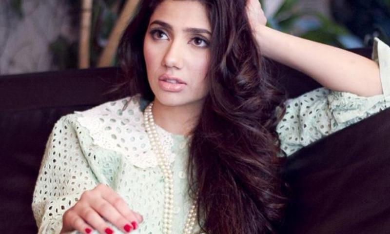 Mahira Khan to make Bollywood debut opposite SRK in 'Raees'